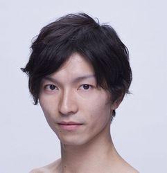 small-trim_m06 岡崎隼也 Junya Okazaki (c) Nobuhiko Hikiji.jpg